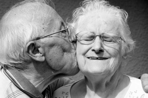 personne-agee-vie-de-couple.jpg